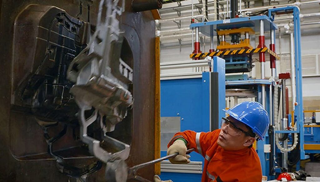 high pressure die cast machine